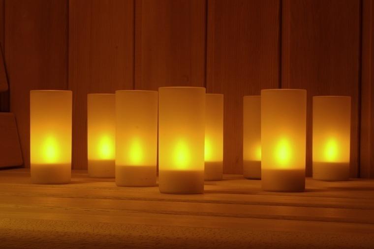 led teelicht kerzen set 8 fach wiederaufladbar inkl. Black Bedroom Furniture Sets. Home Design Ideas